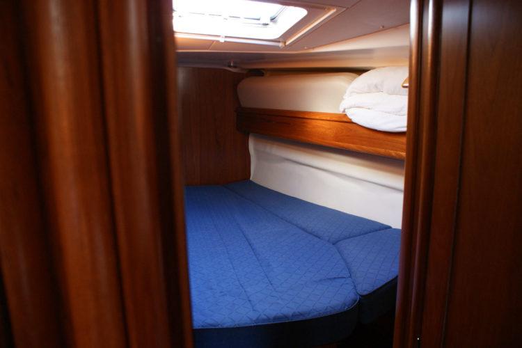 Jeanneau Sun Odyssey 49 - cabina di prua a tribordo