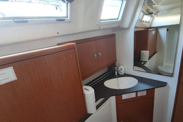 Bavaria 34 Cruiser - bagno