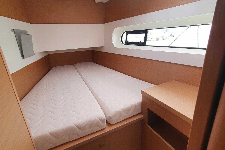 Excess 12 - cabina di prua